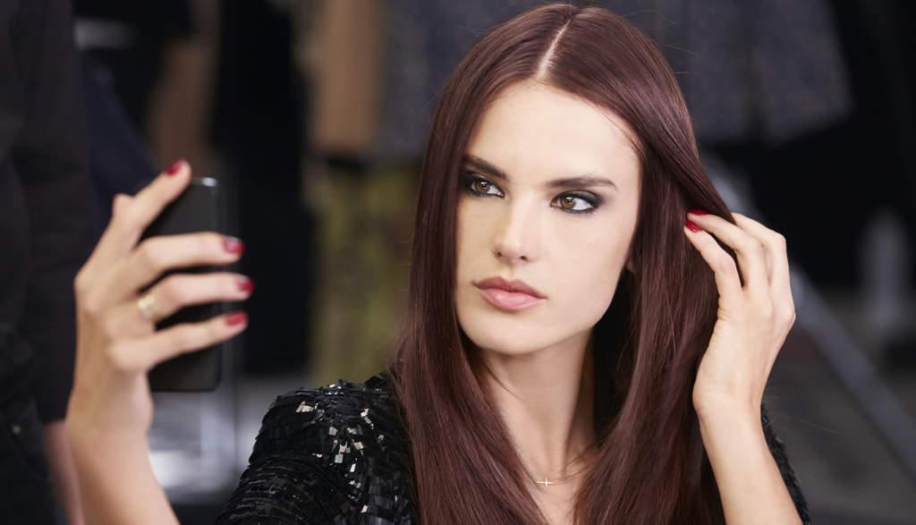 رازهای زیبایی و جذابیت موهای الساندرا آمبروزیو چیست؟