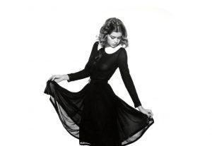 تاریخچه مختصری از لباس کوتاه مشکی زنانه و سیر تحول آن