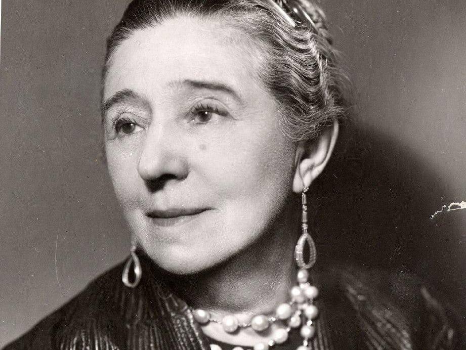 جین لنوین یکی از نخستین طراحان لباس فرانسوی در قرن بیستم
