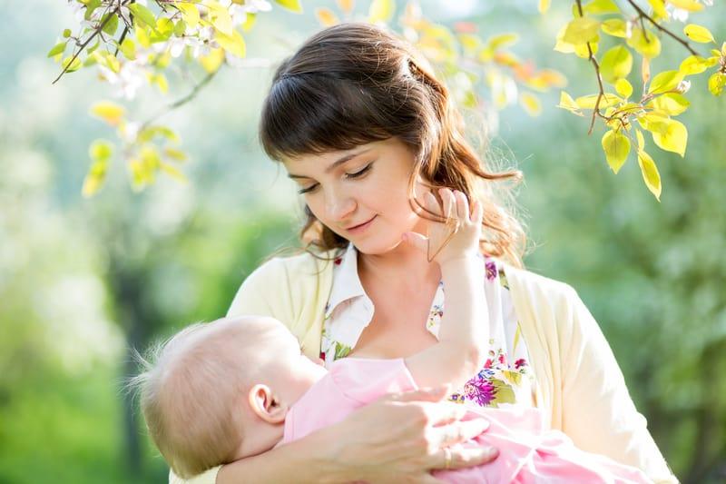 درد سینه ناشی از شیر دادن