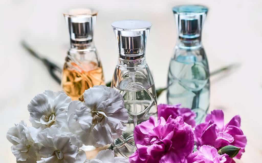 عطرهای ضروری در قفسه ادکلن شما