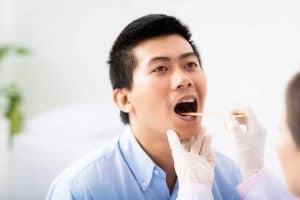 علتهای بوی بد دهان