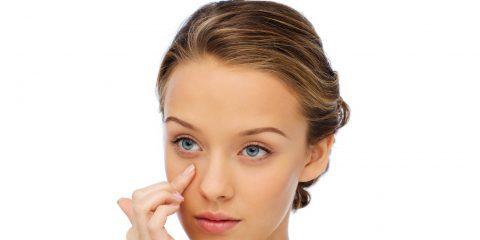 عوامل غیرمنتظرهای که باعث ایجاد پف زیر چشم میشوند