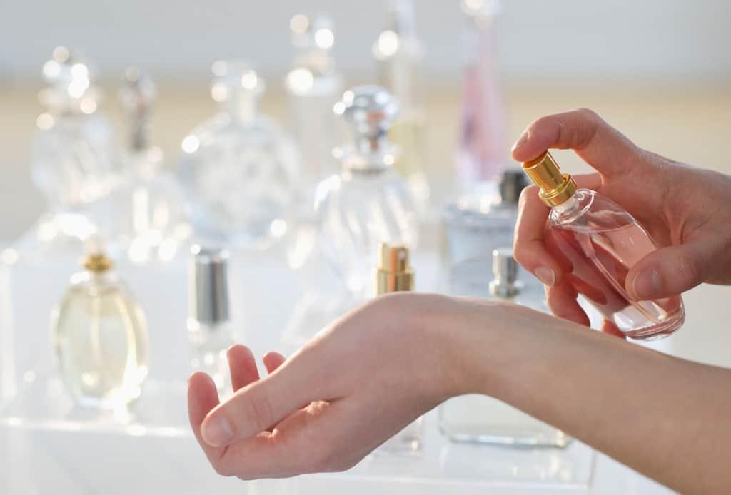 نکات و ترفندهای کاربردی برای استفاده آسان از عطر و ادکلن