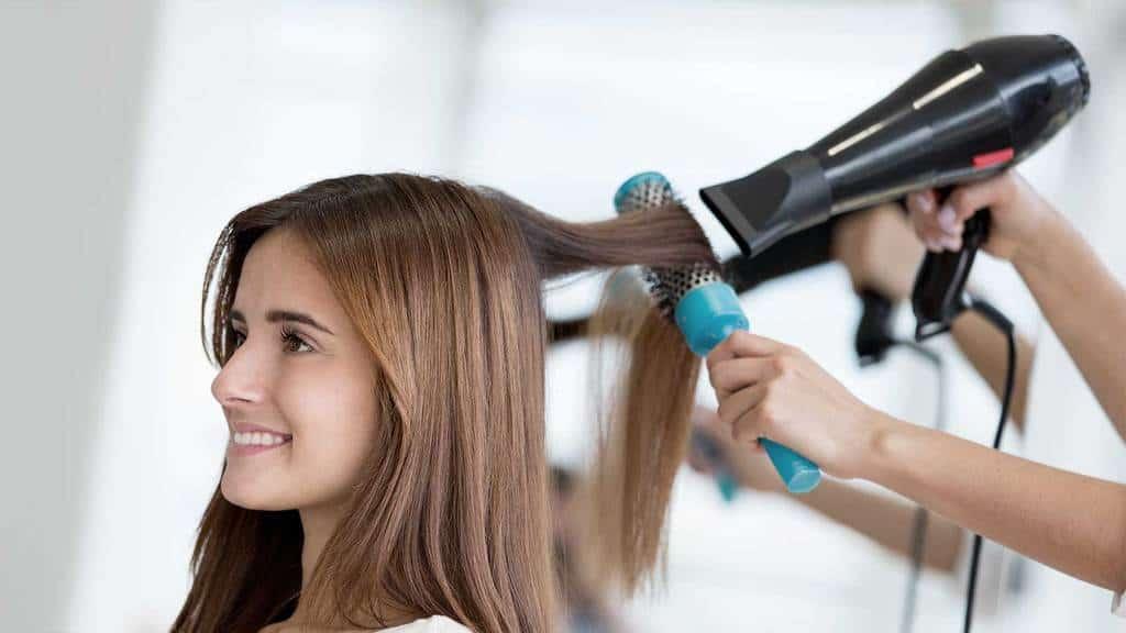 سشوار مناسب خود را بر اساس جنس و حالت موهایتان انتخاب کنید