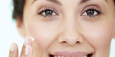 چطور از پرایمر آرایشی استفاده کنیم؟ نکاتی برای آرایش پوست تیره
