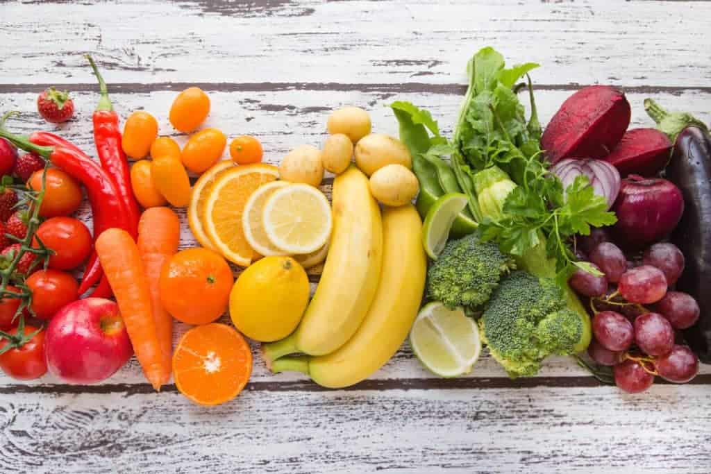افزایش کلاژن پوست با ۱۲ نوع غذا که باعث میشوند جوانتر به نظر برسید