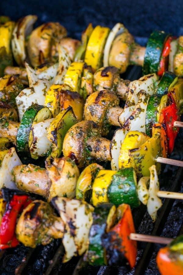 کباب سبزیجات مراکشی با سس مخصوص؛ کباب دلخواه گیاهخواران