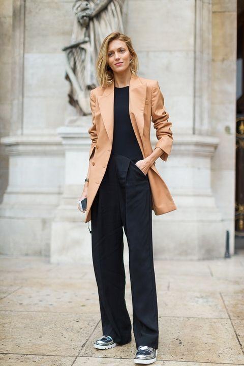 تیپ کلاسیک فرانسوی، این لباسها هرگز از مد نمیافتند 2 تیپ کلاسیک فرانسوی، این لباسها هرگز از مد نمیافتند