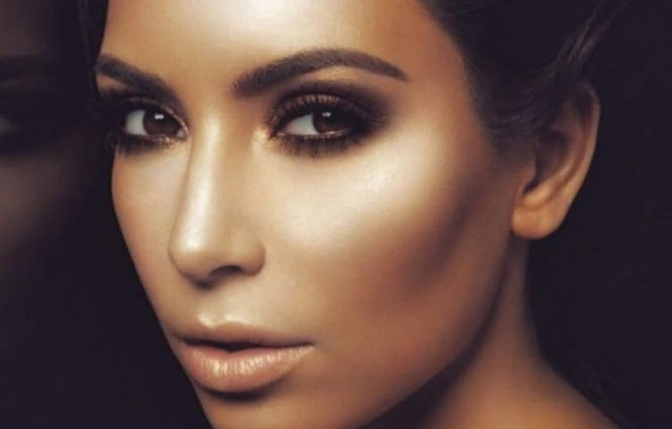روش سریع هایلایت کردن چهره، بهترین رنگ هایلایت برای پوست شما