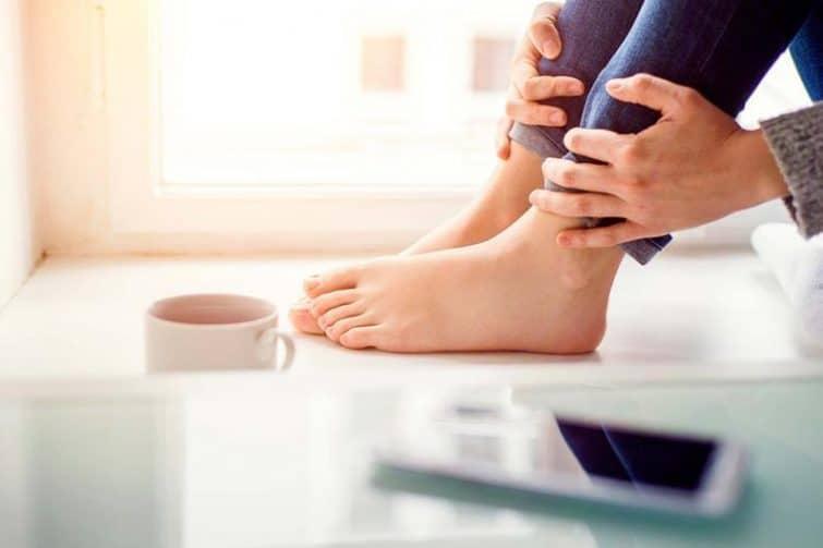 قارچ انگشتان پا را به ۷ روش جالب در خانه درمان کنید