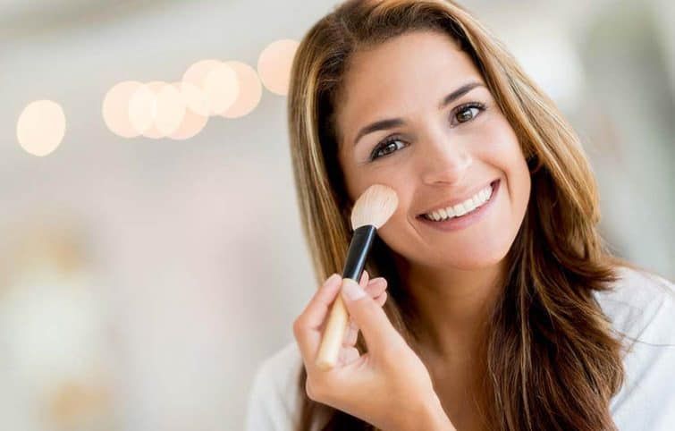مهمترین ترفندهای آرایش که خانمهای بالای سی سال باید بدانند