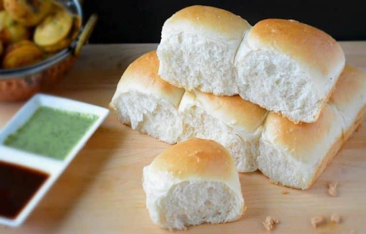 طرز تهیه نان لقمهای نرم و پفی در فر و بدون فر؛ آموزش مرحله به مرحله و تصویری