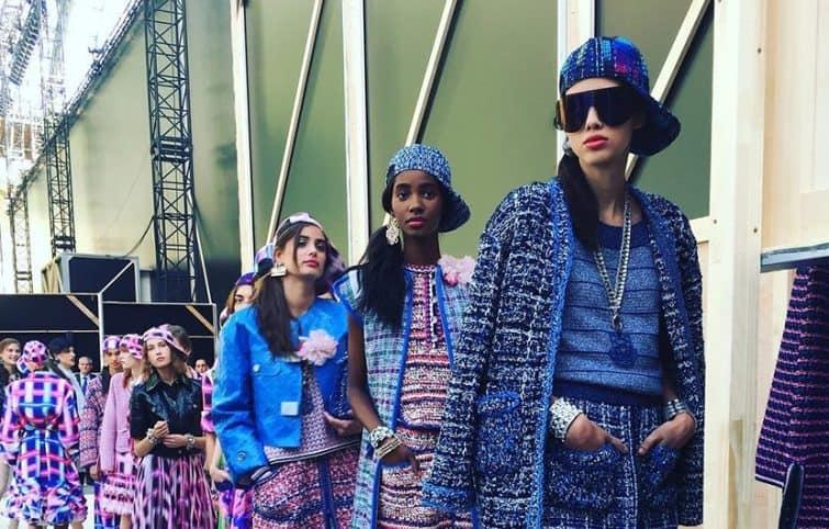پارچه فاستونی شانل و تاریخچه آن در لباسها و اکسسوریهای زنانه