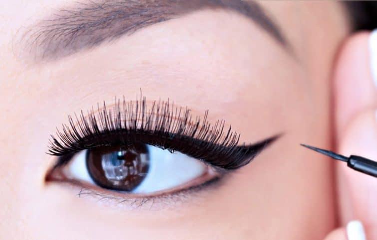 ترفندهای ساده و سریع آرایش خط چشم که کمتر کسی آنها را میداند