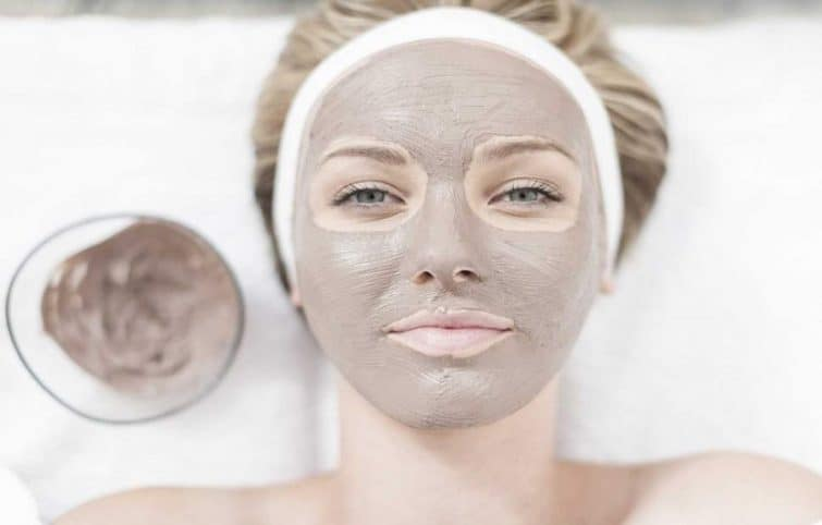بستن منافذ پوست صورت با ۹ ماسک خانگی عالی و زیبا کننده و بدون مواد سمی