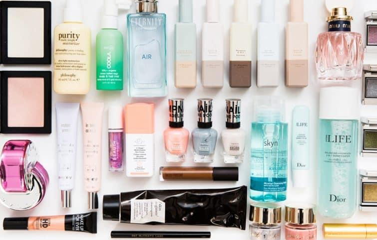 مهمترین لوازم آرایش ضروری که باید در کیف آرایشی شما وجود داشته باشد