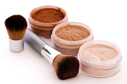 فونداسیون آرایشی چیست و چگونه باید از آن استفاده کنیم؟