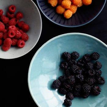 ۶ ماده غذایی فوق العاده که با سرطان مبارزه می کنند