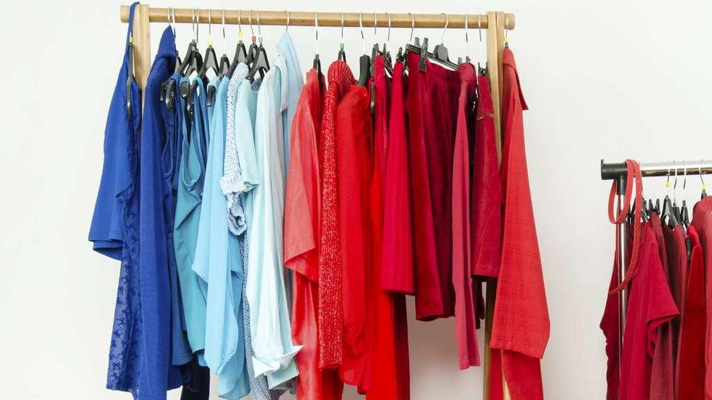 در انتخاب رنگ لباس به معنای رنگ ها هم توجه کنید
