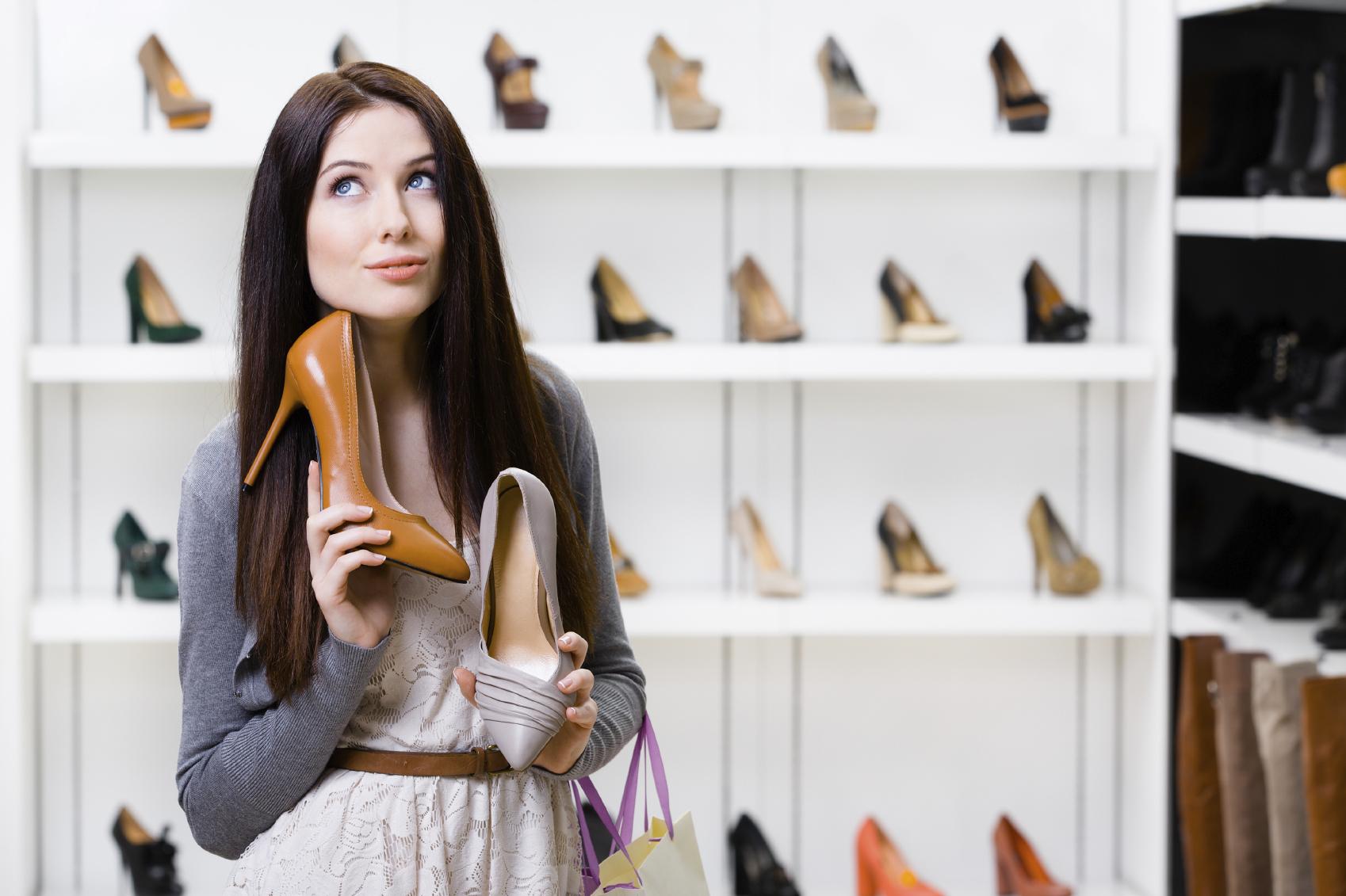 انتخاب کفش پاشنه بلند با ارتفاع مناسب در استایل اهمیت زیادی دارد