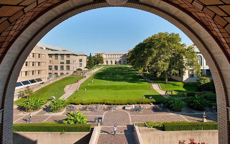 دانشگاه Carnegie Mellon سال هاست که به عنوان یکی از دانشگاه های علوم پیشرو در آمریکا شناخته می شود