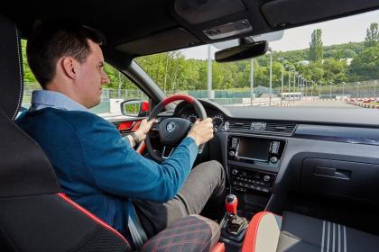 خرید بسیار مهم است که مطمئن شوید که خودرو به شکل مناسبی کار می کند و کنترل می شود