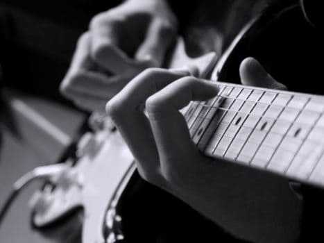 یادگیری موسیقی بدون معلم – ۵ نکته ی کاربردی برای شروع کار