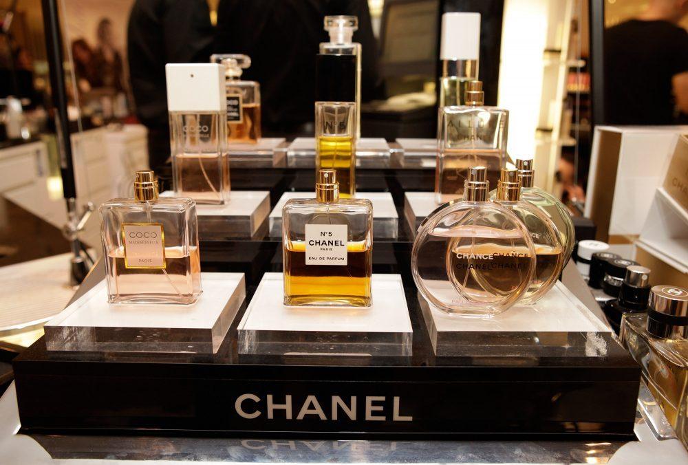 در انتخاب عطر از برندها و فروشگاه های معتبر خرید کنید