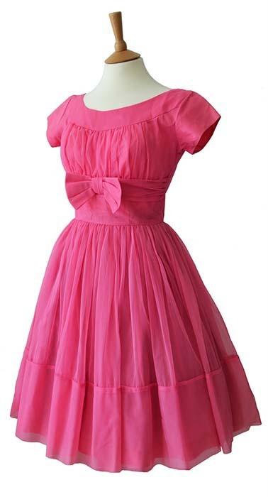 استفاده صحیح از رنگ صورتی در لباس، اکسسوری و آرایش
