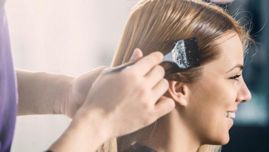 رنگ کردن مو را خودتان در منزل به سادگی انجام دهید