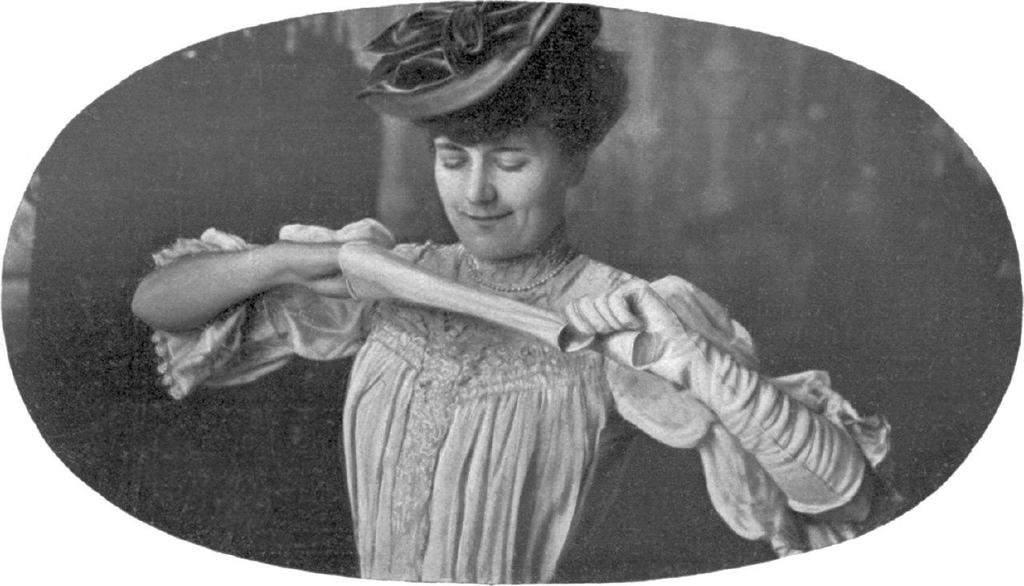تاریخچه دستکش ، اختراع آن و کاربرد و نقش آن در دنیای مد