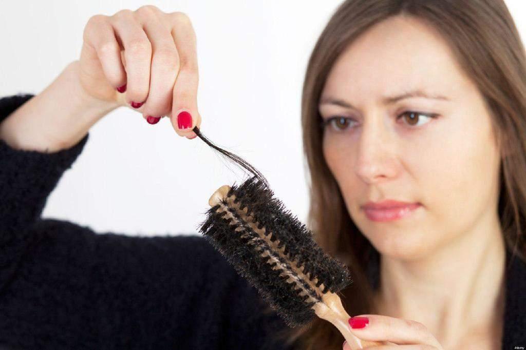 ریزش مو در خانمها ، علل آن و روشهای درمان و پیشگیری از ریزش مو