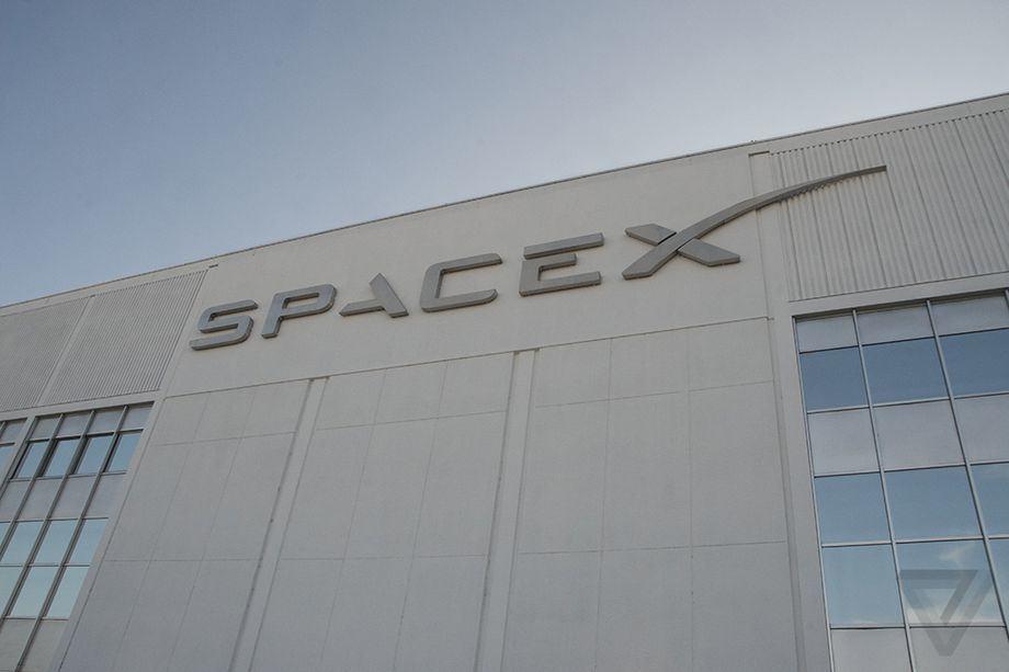 پرتاب نمونهای از ماهواره های ارائه دهنده اینترنت توسط SpaceX در سال ۲۰۱۹