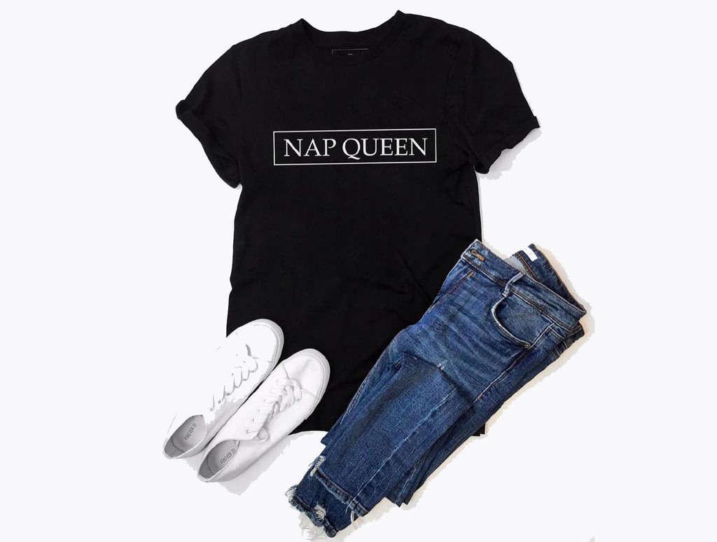 چند نوع لباس جین زنانه و روش مناسب برای پوشیدن هرکدام