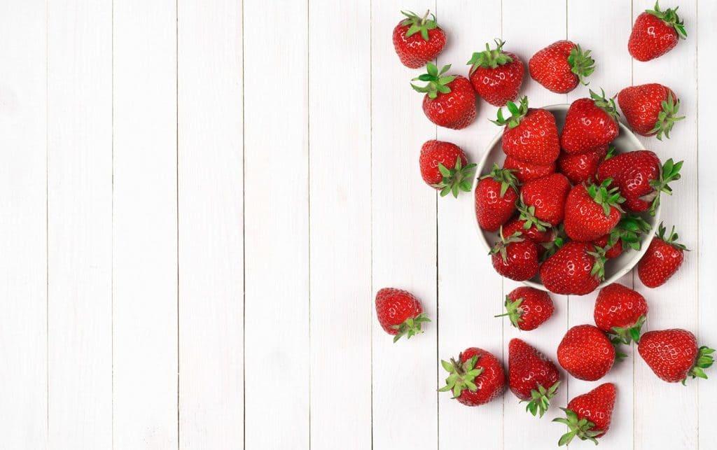 پنج خوراکی اردیبهشتی : توت فرنگی