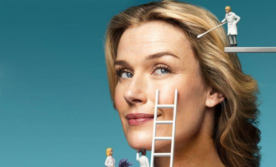 بهترین محصولات آرایشی برای خانمهایی که پوست چرب دارند