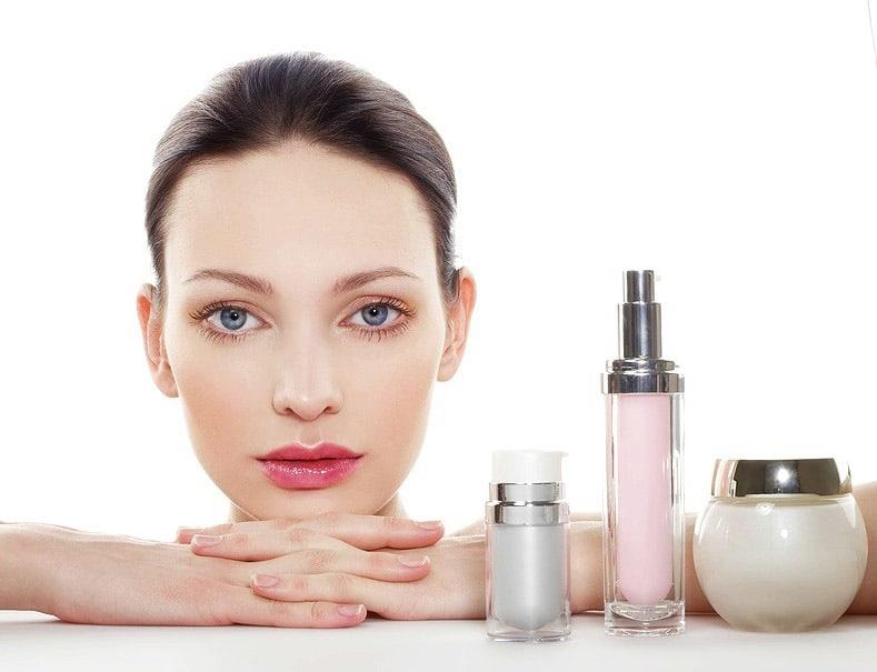 ترتیب صحیح استفاده از لوازم و محصولات مراقبتی و آرایشی روی پوست