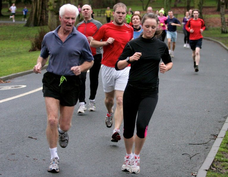 رقابت آدم و حوا: چرا مردان دوندگان سریعتری نسبت به زنان هستند؟