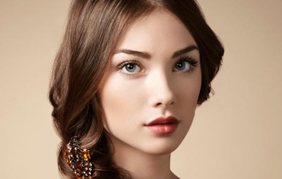 نکات مهم برای خانمهایی که میخواهند چهرهای با آرایش طبیعی داشته باشند