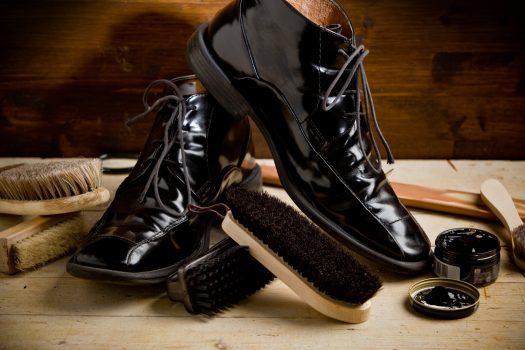 واکس زدن کفشها به سه روش ساده برای داشتن کفشهای زیبا و براق