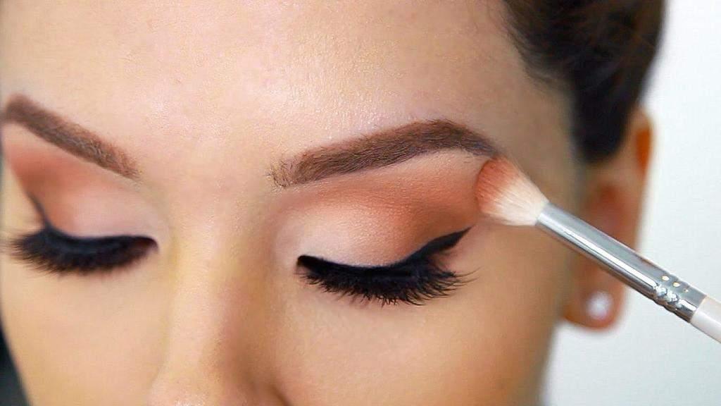 انتخاب سایه چشم مناسب و روش صحیح استفاده از آن در آرایش