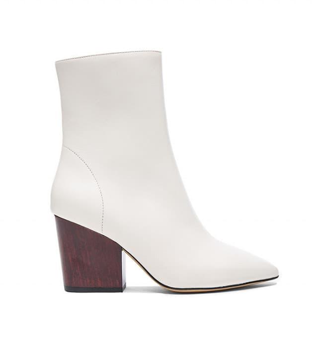 کفش سفید برای محیط کار