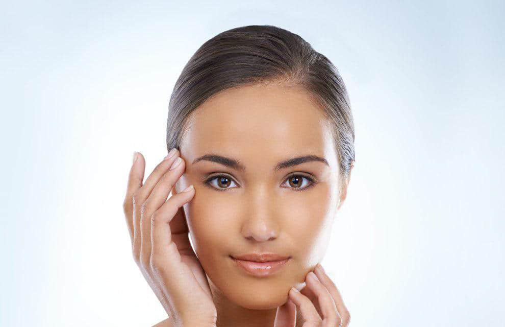 اگر به بیماری اگزما مبتلا هستید به این روش آرایش خود را انجام دهید