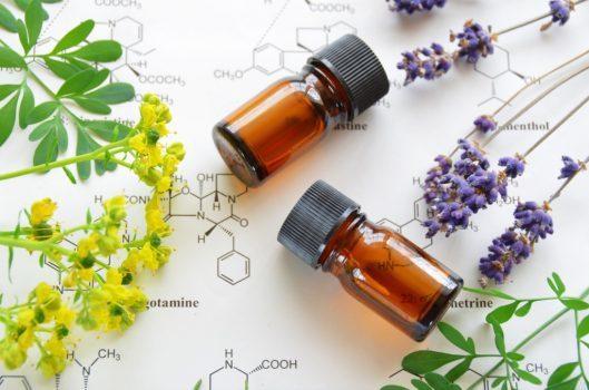 ۱۰ روغن درمان کننده پوست که باید به قفسه محصولات سلامتی شما اضافه شوند