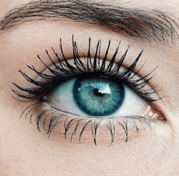 ۷ کار و عادت غلط در مورد مراقبت از چشم های شما که آنها را نباید انجام دهید