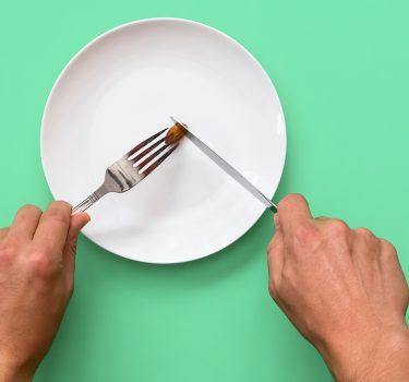 بیاشتهایی عصبی (Anorexia Nervosa): علل بروز، علائم و درمان