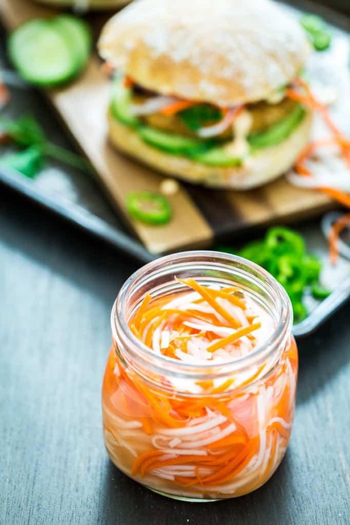 ترشی ترب و هویج ویتنامی با بان می