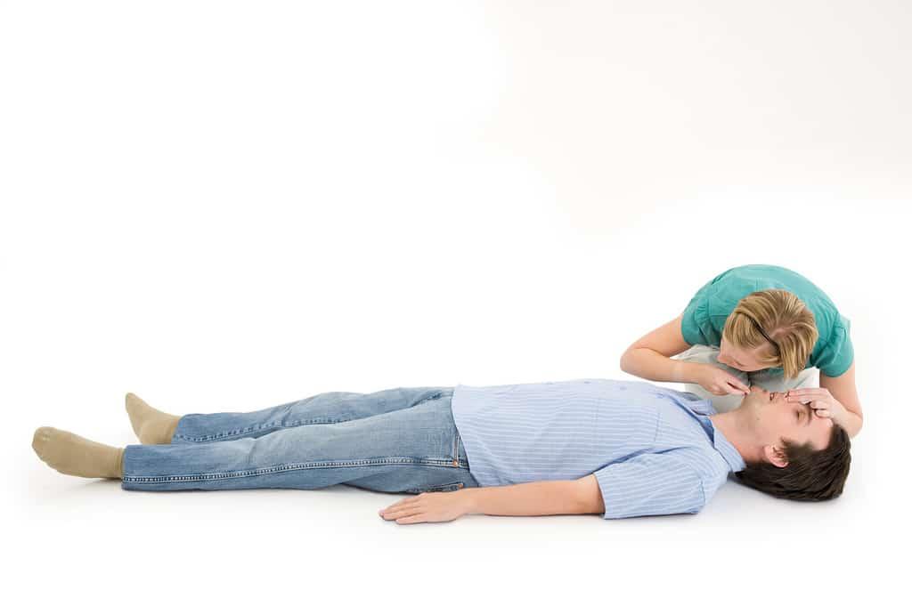 تنفس مصنوعی و حرکت قفسه سینه