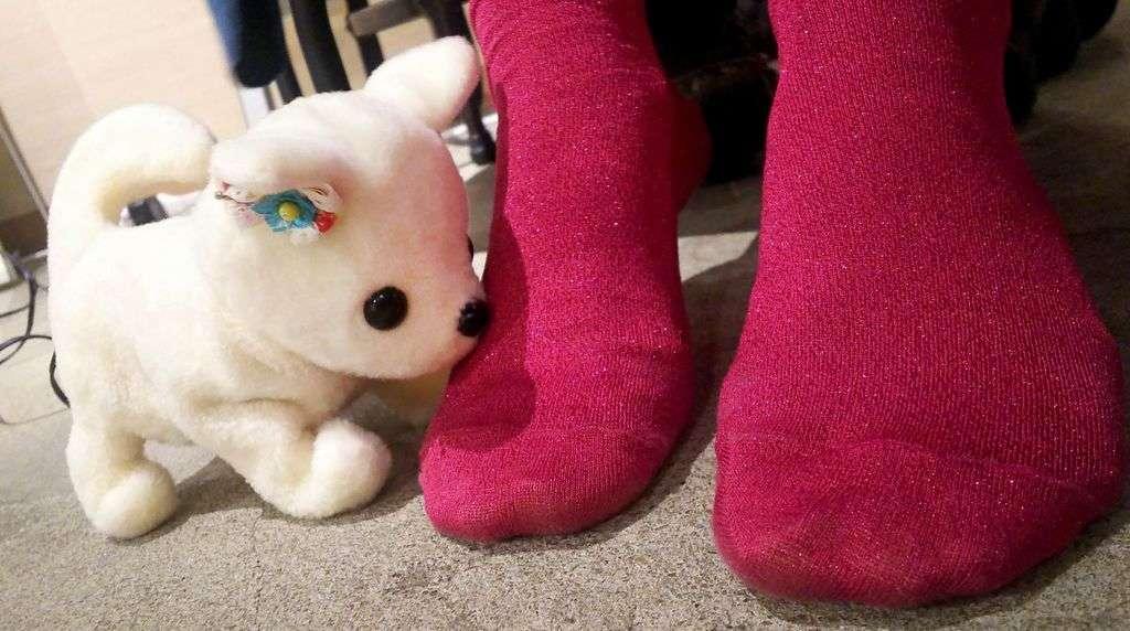 ربات Hana Chan درمورد بوی بد پاهایتان به شما هشدار خواهد داد